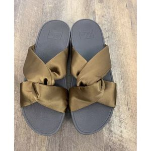 New Fit Flop 7 Bronze Piper Satin Slide Sandals